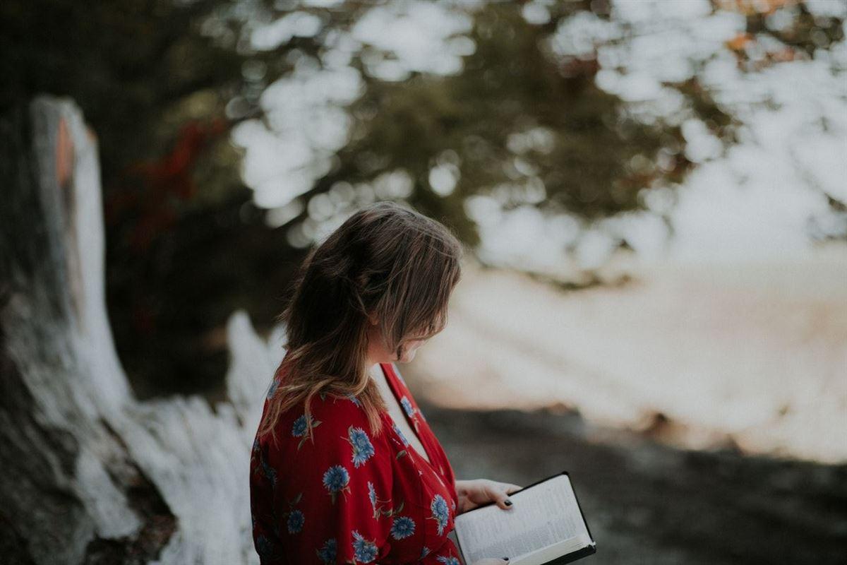 10 Versículos Poderosos De Isaías Para Ayudarte A Luchar Contra El Miedo Y A Encontrar Esperanza En Jesús