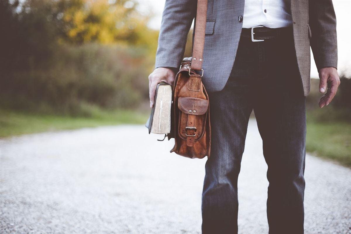 Cuando El Pastor Que Amas Deja Tu Iglesia: 10 Formas De Pasar La Transición Pastoral