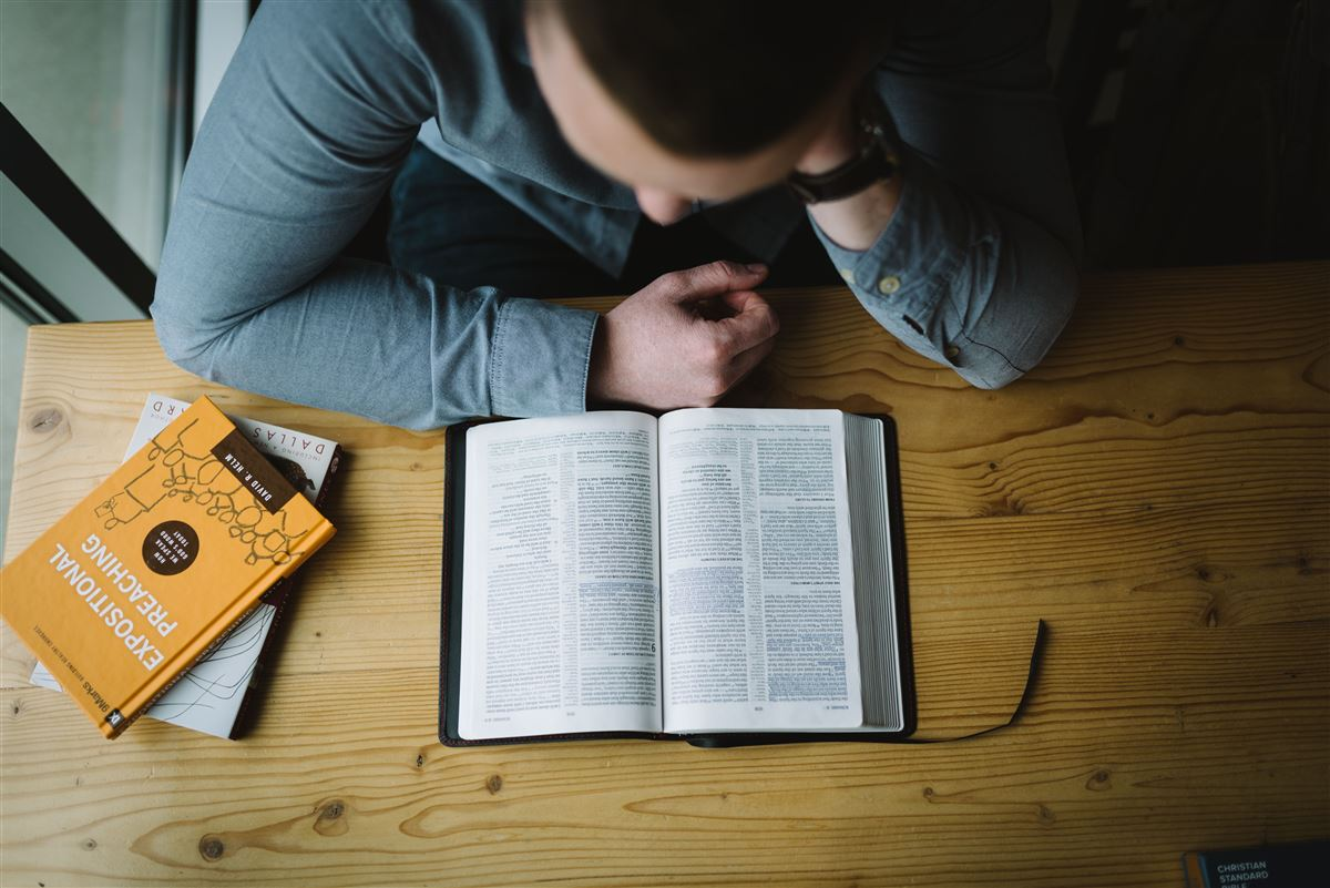 Cómo memorizar un libro de la Biblia