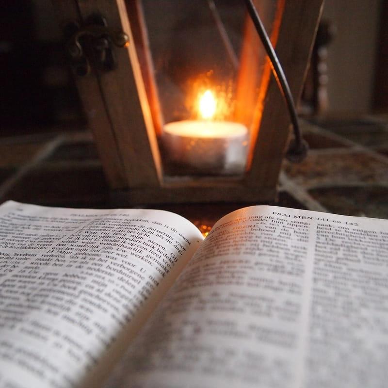 www.biblestudytools.com