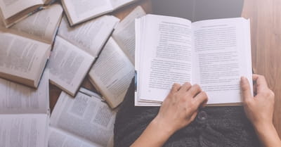 What Books Should Christians Read to Help Them Grow?
