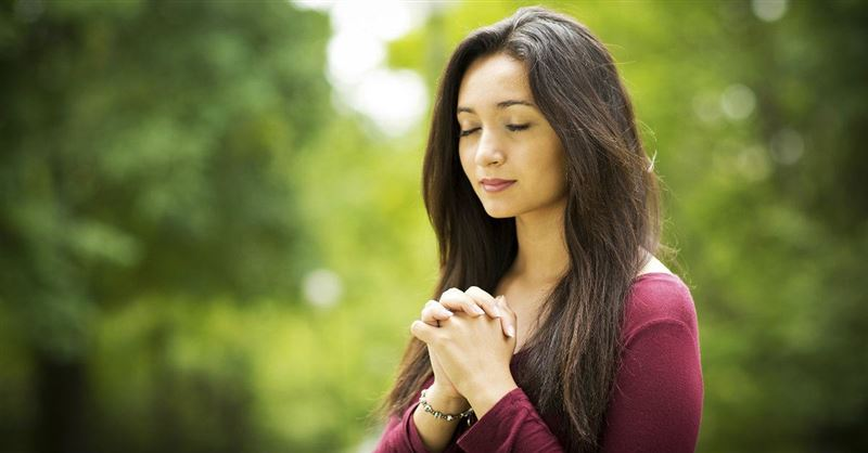 Is it Okay for Christians to Pray to Mary?