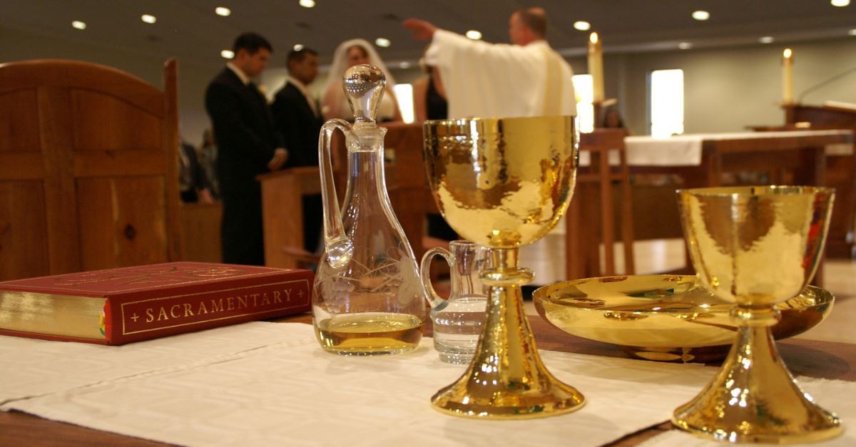 What are the Sacraments of Christianity? Meaning and Examples