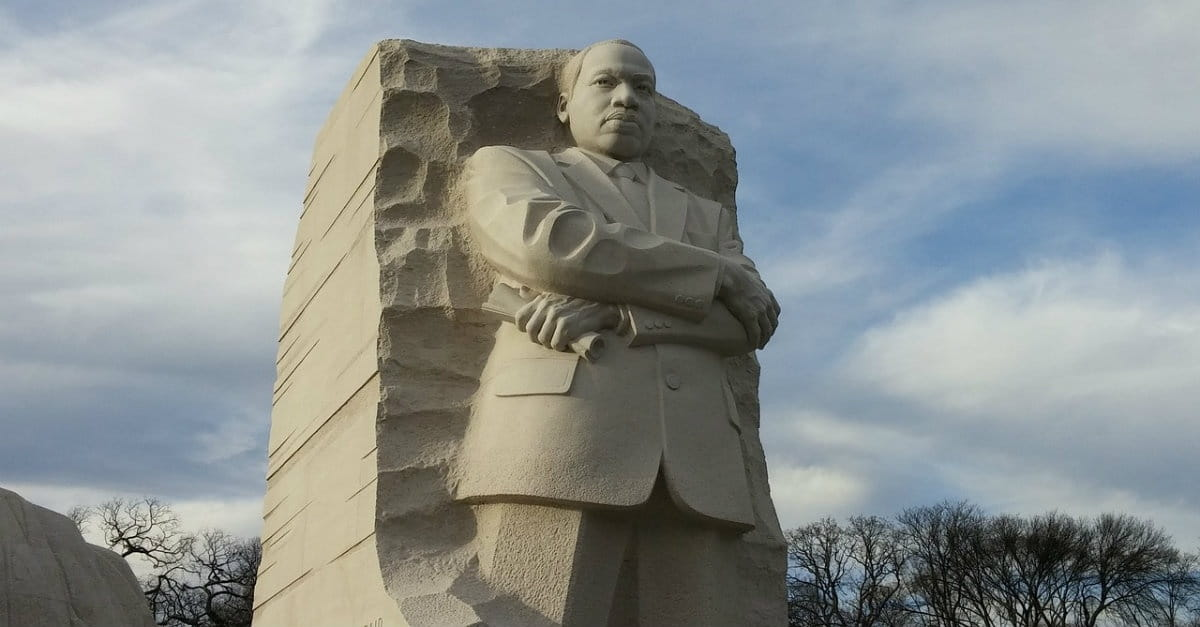 31 Powerful Quotes By Dr Martin Luther King Jr