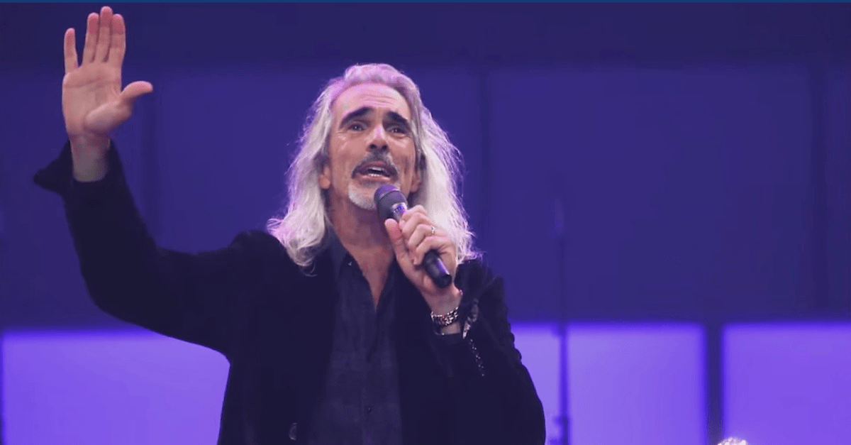 Rock Of Ages' and 'I Stand Amazed' Hymn Mashup Is SO Beautiful