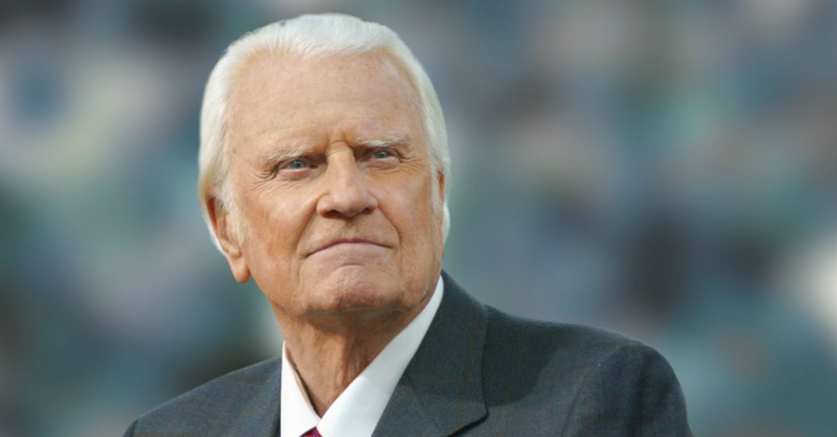 5 Powerful Prayers from Billy Graham That Still Uplift Us Today