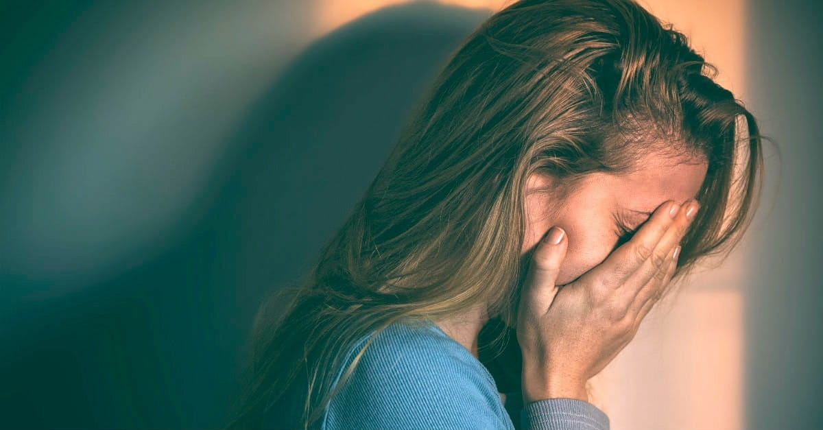10 Ways to Respond to a Loved One Exhibiting Signs of Depression