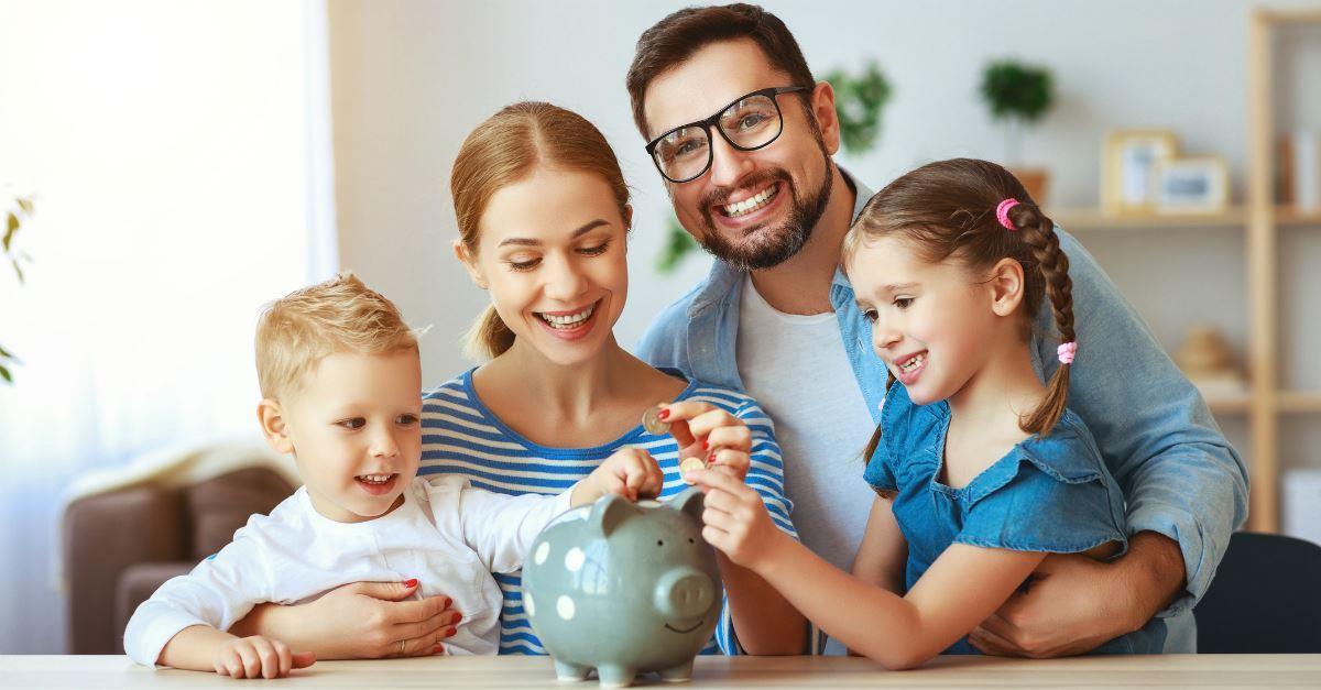 3 Easy Ways to Encourage Generosity in Your Kids