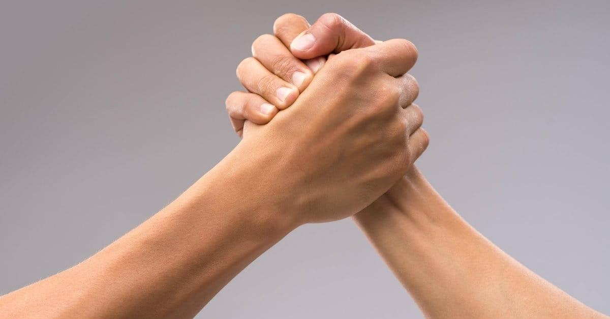 Parchen hand in hand