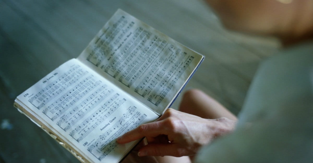 5 Things You Lose When You Give Up Your Hymnals - Trending