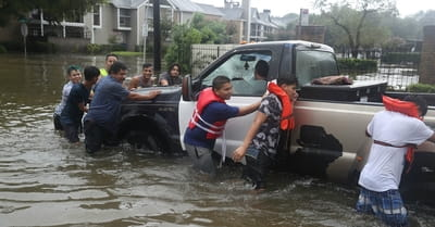 3 Ways You Can Help Victims of the Houston Flood Disaster