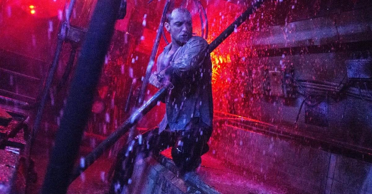 <i>Black Sea</i>'s Thrilling, Twisty Ride Freshens Up the Heist Genre