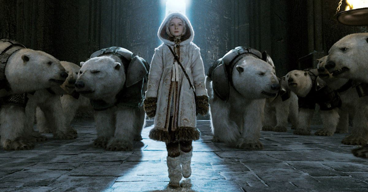 Lyra approaches the bear kind surrounded by armored polar bears