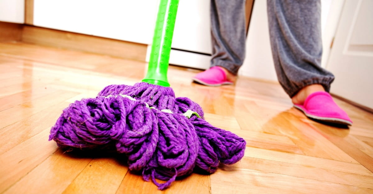 8 Proven Ways to Find God in the Everyday Tasks of Homemaking