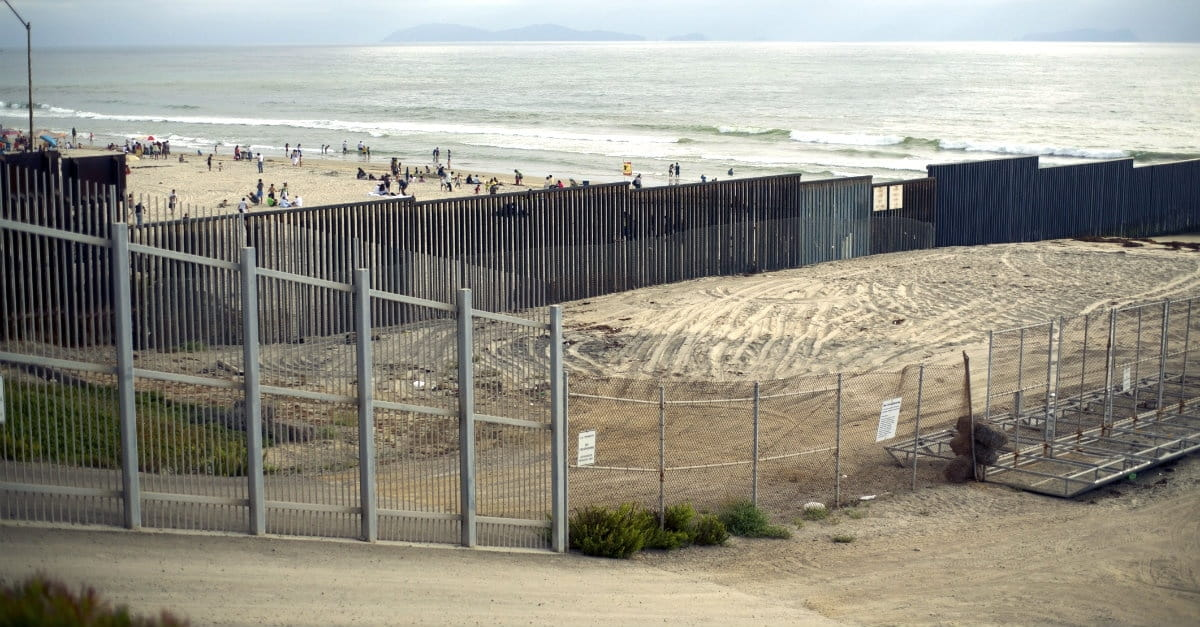 Does the Bible Tell Us to Support Obama's Immigration Amnesty?