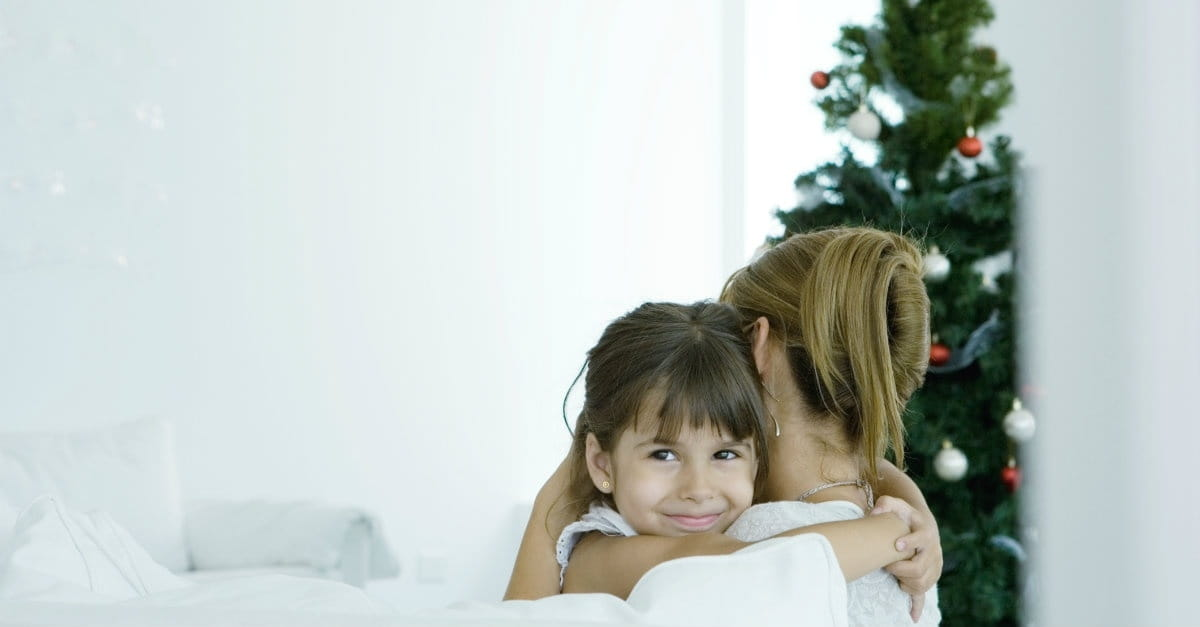 10 Encouraging Tips for the Single Mom at Christmas
