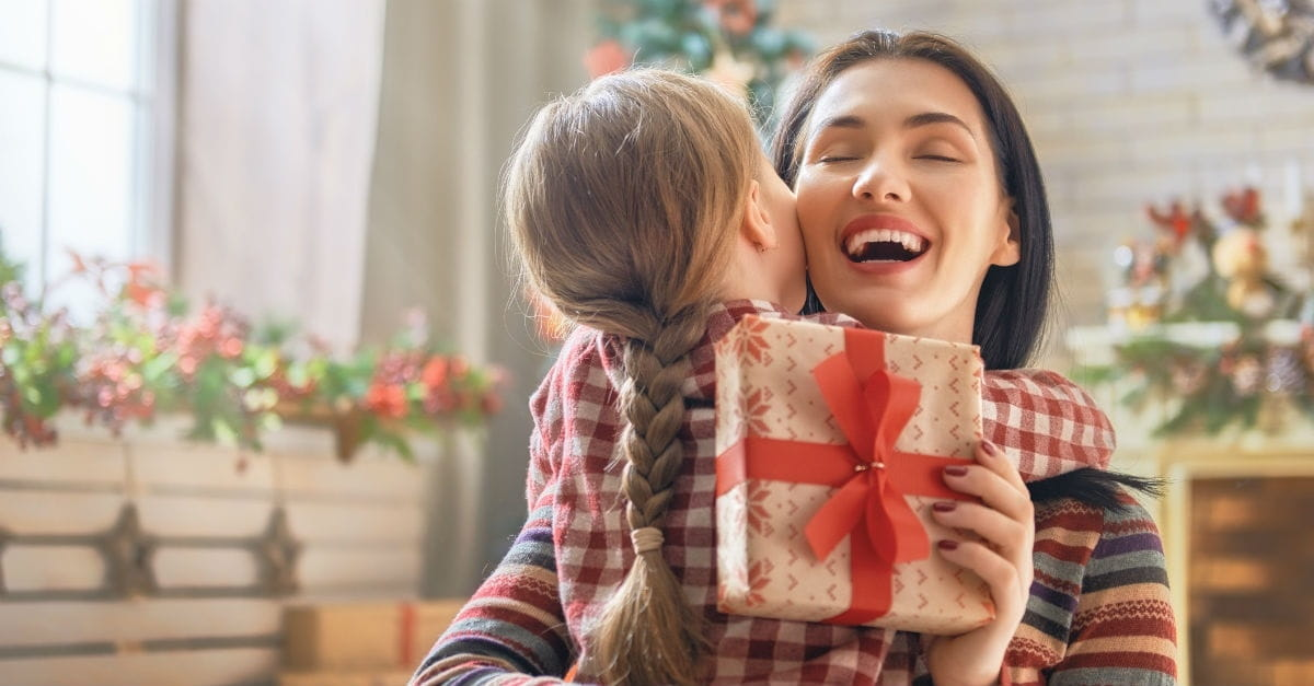 10 Things Parents Should Teach Their Kids about Christmas