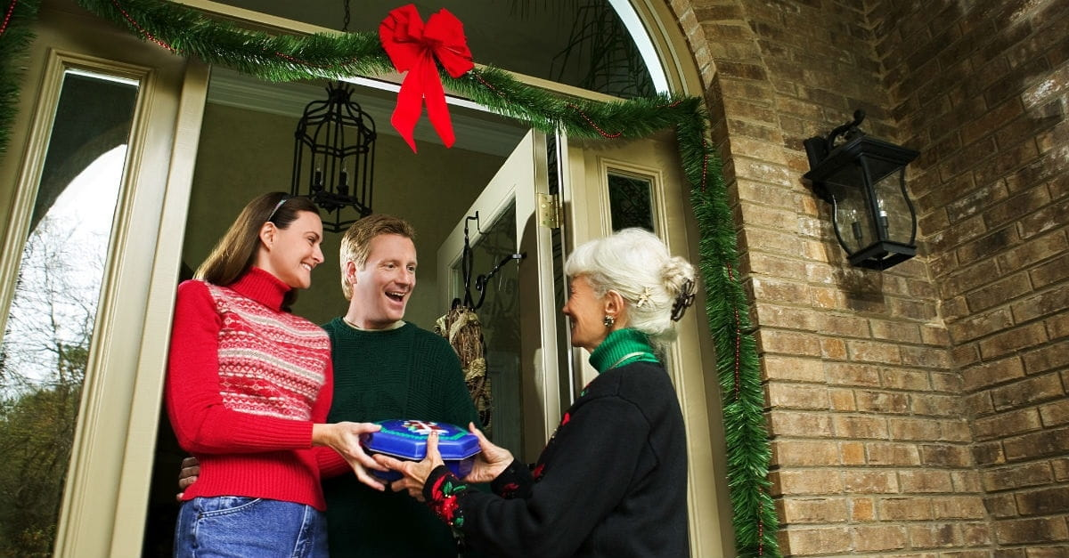 10 Ways to Love Your Neighbor This Christmas