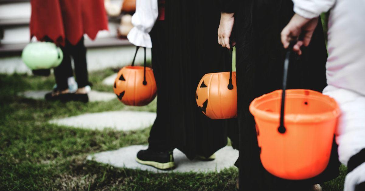 10 Halloween Costume Ideas That Shine the Light of Jesus