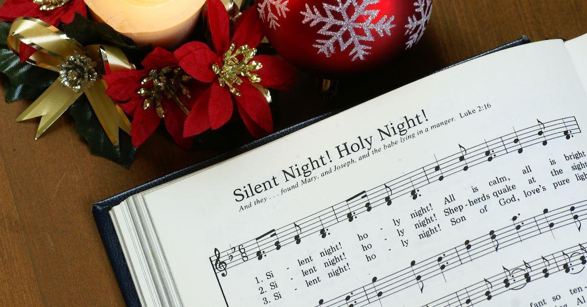 15 Popular Christmas Carols Everyone Should Know