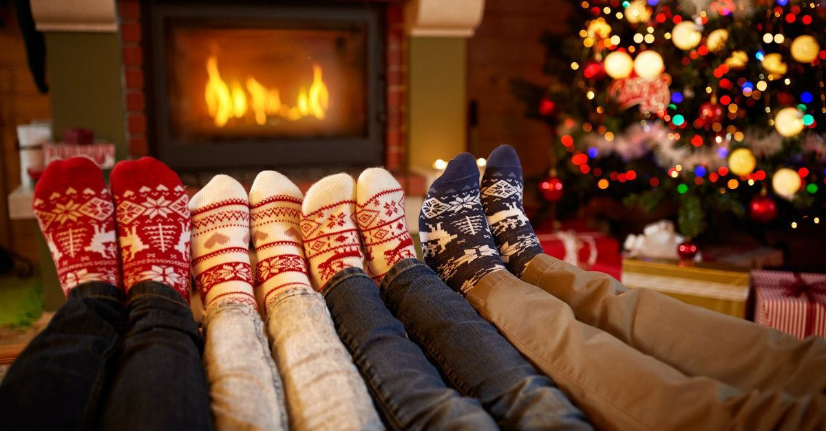 Family Christmas.10 Best Christmas Traditions For Family Bonding Christmas