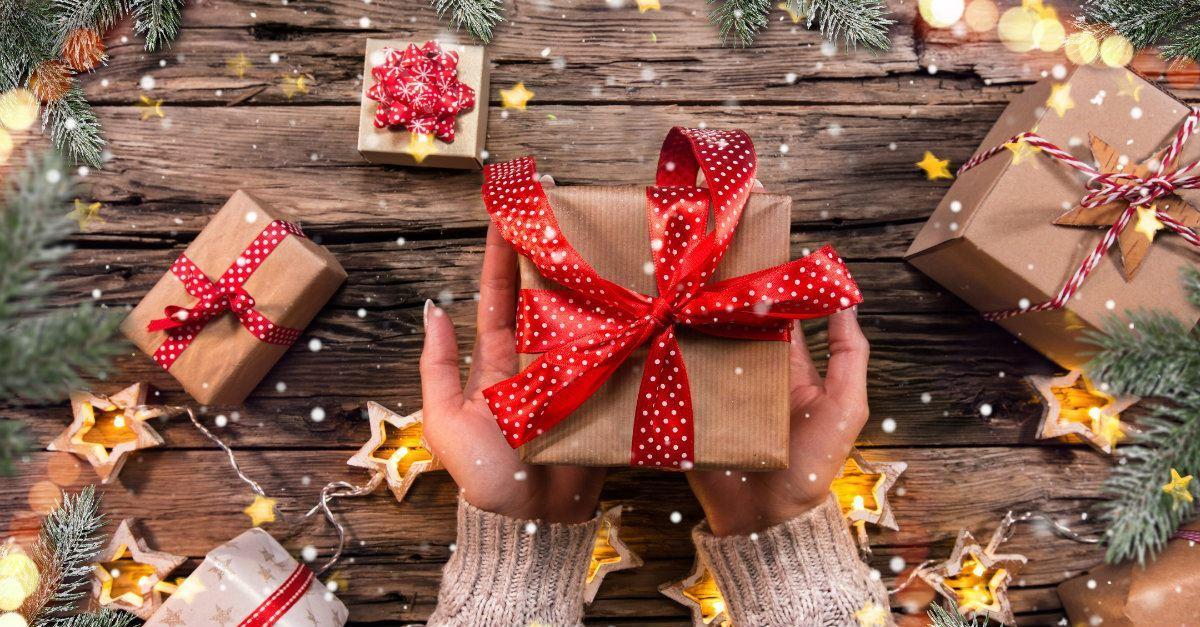 Christmas Gift Giving Images.How To Give Loved Ones Gifts That Keep On Giving Christmas