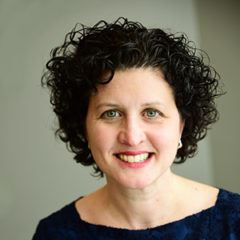 headshot of author Lisa Samra