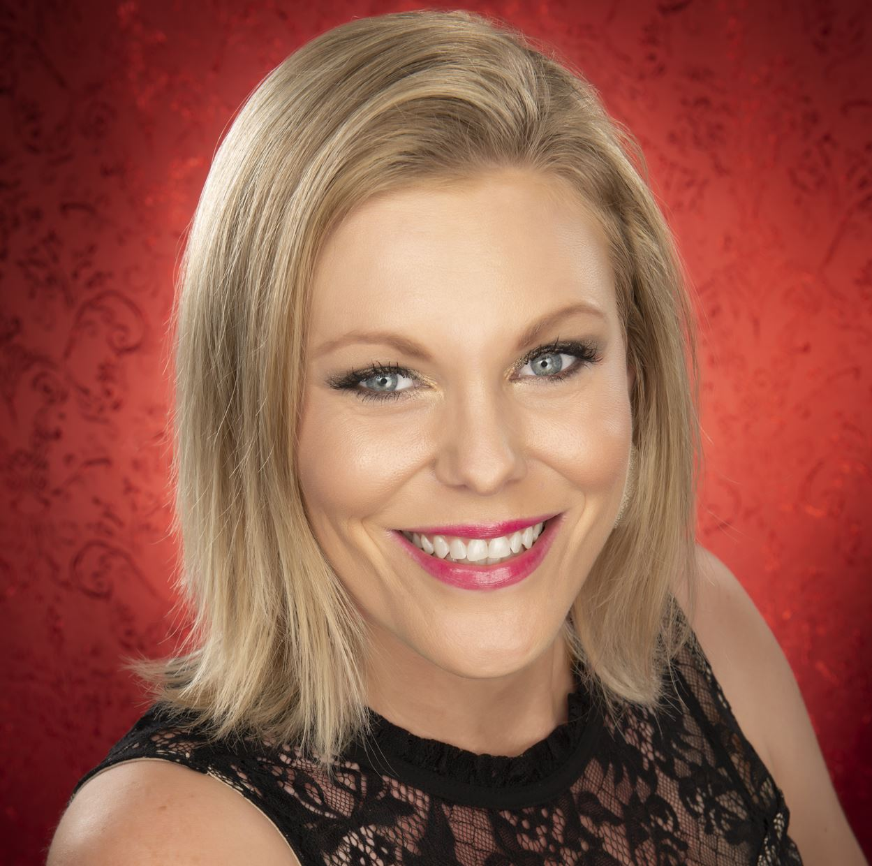 headshot of author Heather Riggleman