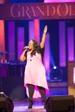 """Mandisa Makes Grand Ole Opry Debut at """"Opry Goes Pink"""""""