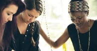 7 Steps to Successfully Hosting a Women's Bible Study in Your Home