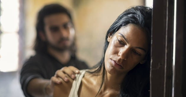 10 Signs of Emotional Abuse in a Relationship