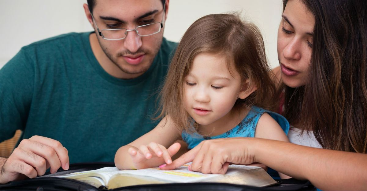 10 Promises of God to Teach Your Little Ones (In a Way They Understand)