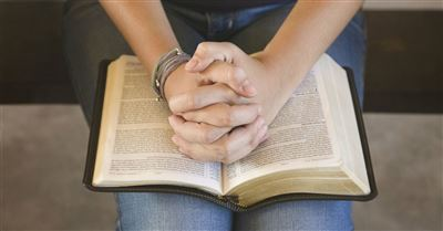 10 Prayers in the Bible to Pray Over Your Life