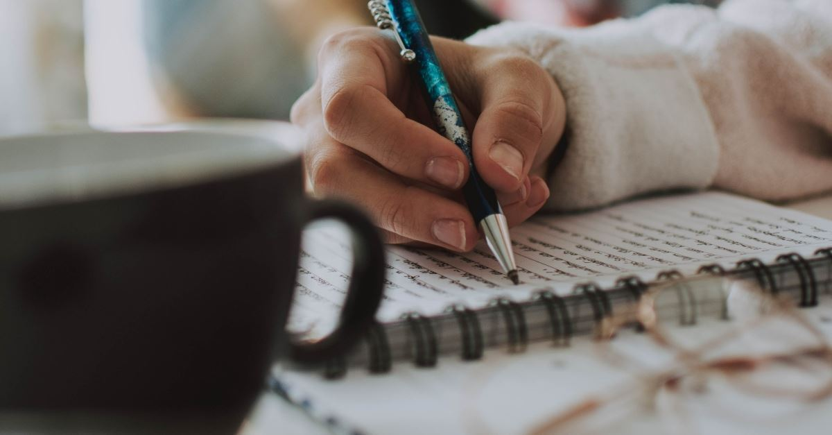 10 Journaling Prompts for Inner Healing