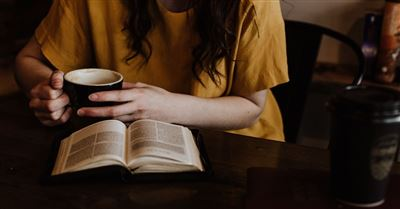 5 Psalms to Read in the Morning: To Help Start Your Day with God's Peace and Strength