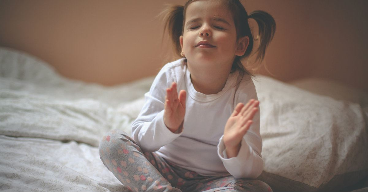 4 Awesome Bedtime Prayers for Kids to Pray