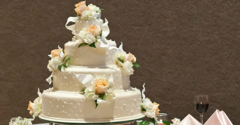 Christian Cake Maker Who Lost Court Case Receives Support from Gay