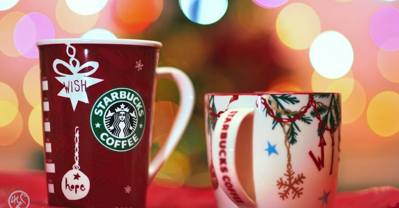 Starbucks' Plain Red Cups Spark Controversy