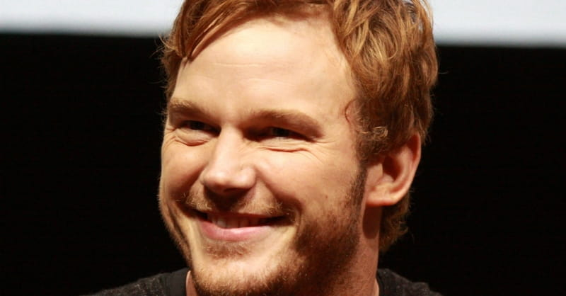 Chris Pratt: Wooden Tray with Philippians 4:13 is 'My Favorite Thing I Have'