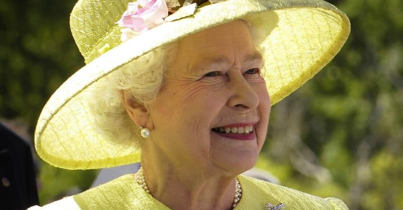Tea for Two? Queen Elizabeth Invites Trump to Visit UK