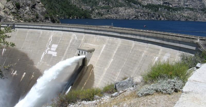 California: Nearly 200,000 Residents under Evacuation Orders as Dam Threatens to Break