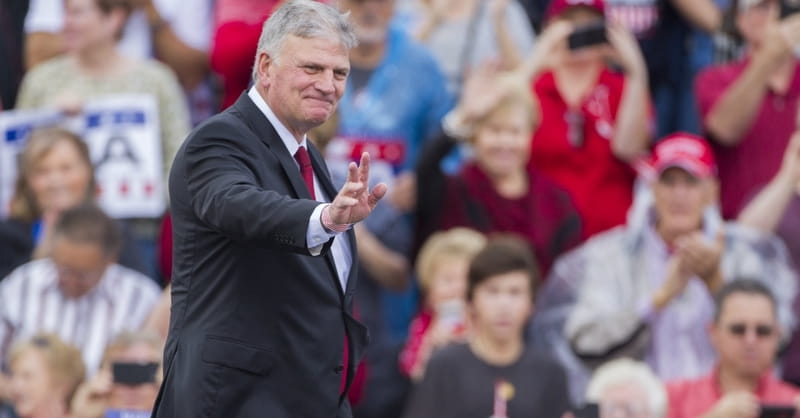 Rev. Franklin Graham Addresses Crowd at President Trump's Phoenix Rally: 'Lord, I Pray Tonight That You Would Unite Us'