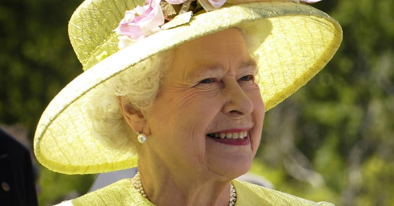 Queen Elizabeth Honors Hymn Writer Keith Getty with Award