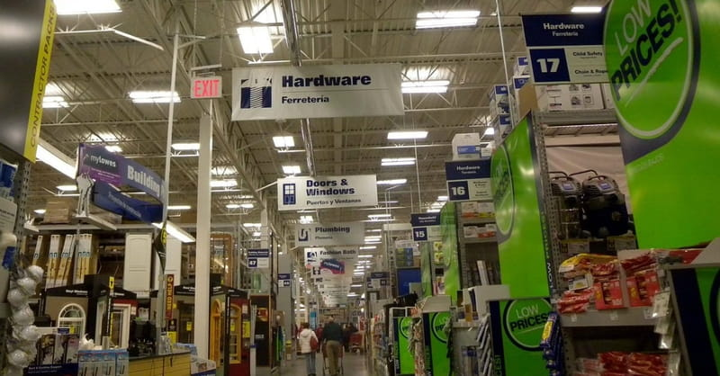 Lowes Shopper Gives Up Last Generator to Woman in Need