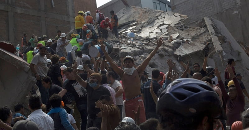Major Earthquake Leaves Hundreds Dead in Mexico City