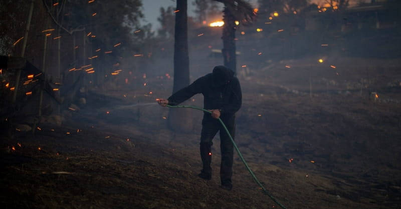 Five Friends Fight California Wildfires with Garden Hoses
