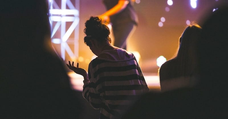8. Justice seekers worship.