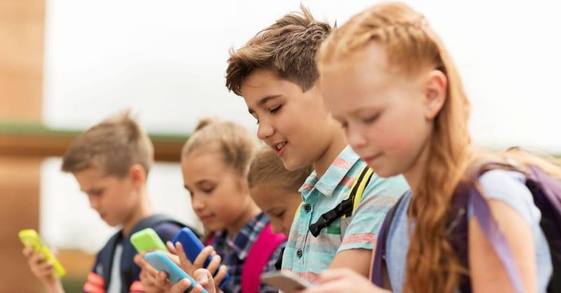 France Banning Smartphones from Schools