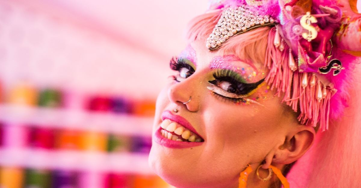 11-Year-Old 'Trailblazing' Child Drag Queen Promoted on <em></dt><dd class=