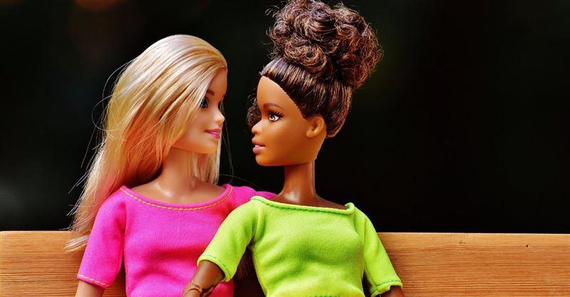 "Mattel to Meet with Gay Couple to Discuss Barbie Same-Sex ""Wedding"" Set"